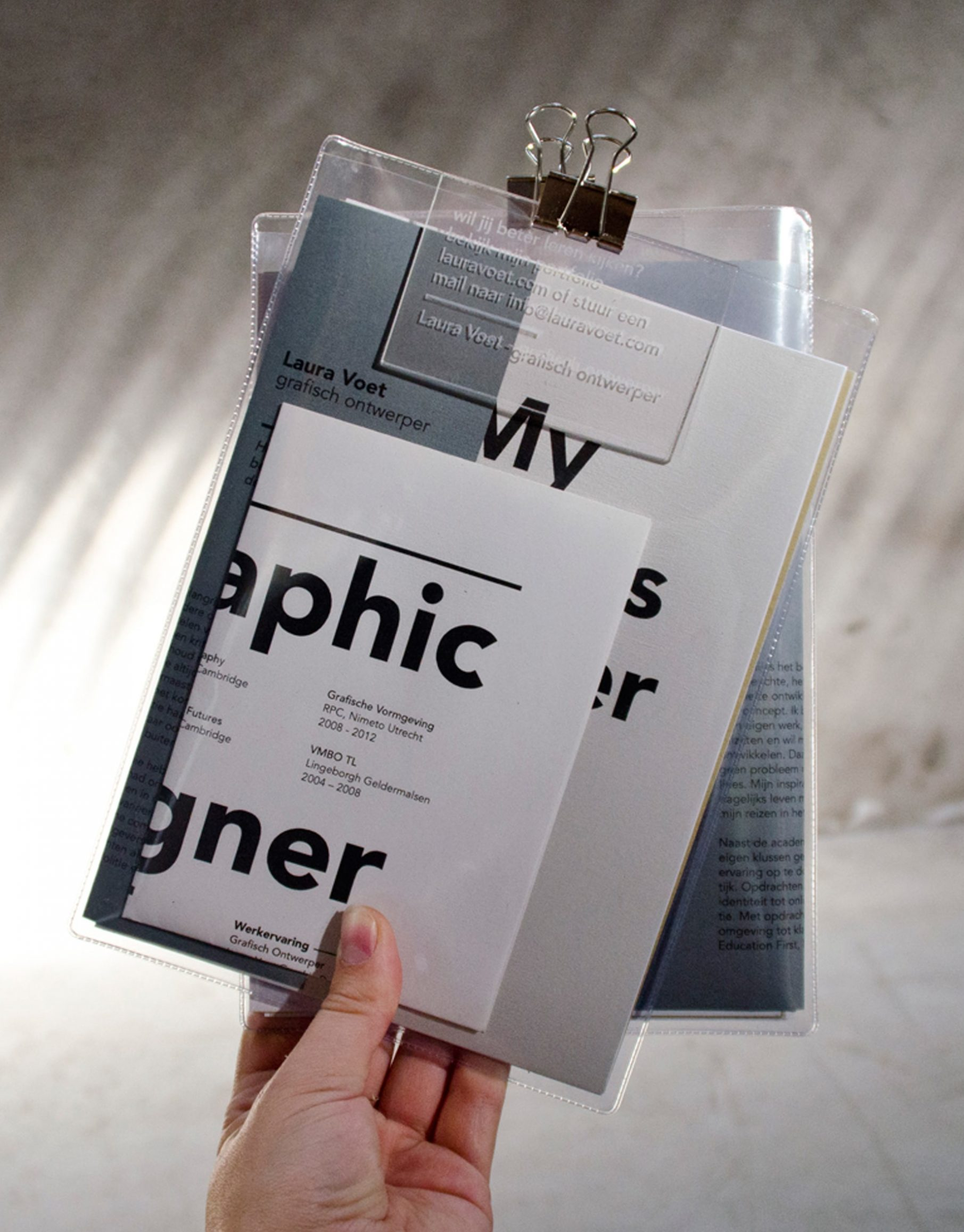 PORTFOLIO_GRAPHIC_DESIGNER-min